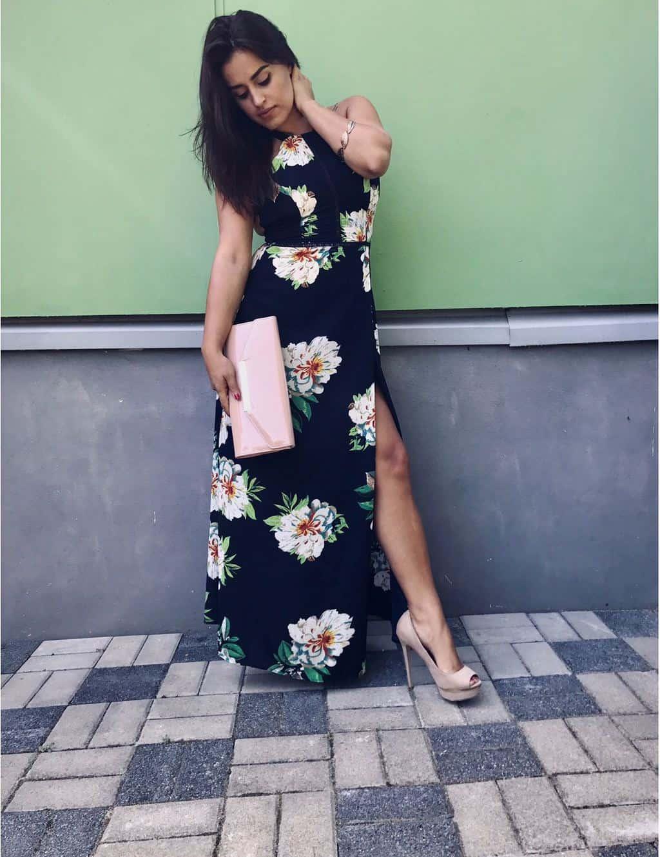 bb35a21dbf83 Dlhé kvetované šaty 2017