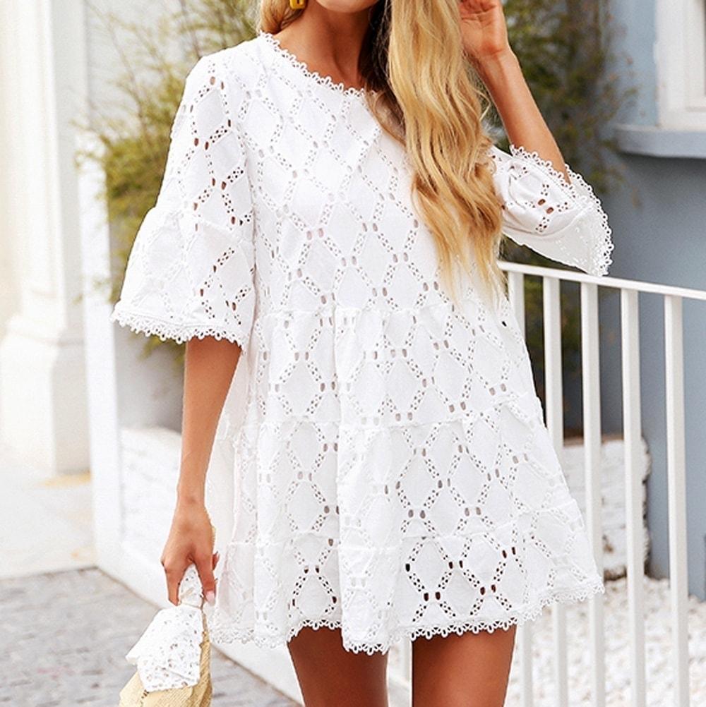 5d8dc3b99f24 Čipkované krátke biele šaty