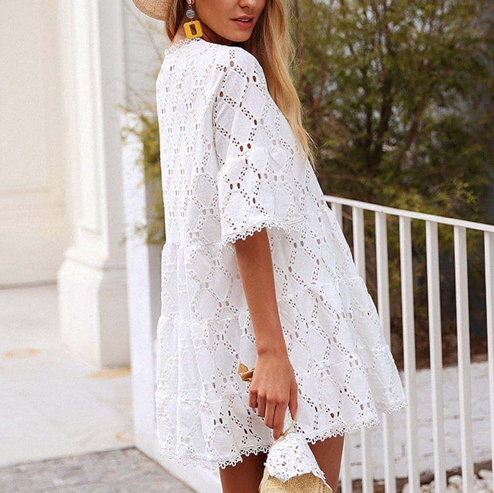 8401dacc28fe Čipkované krátke biele šaty