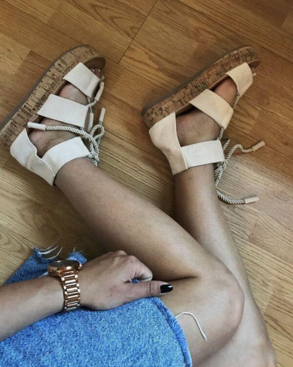Béžové sandále na platforme 1