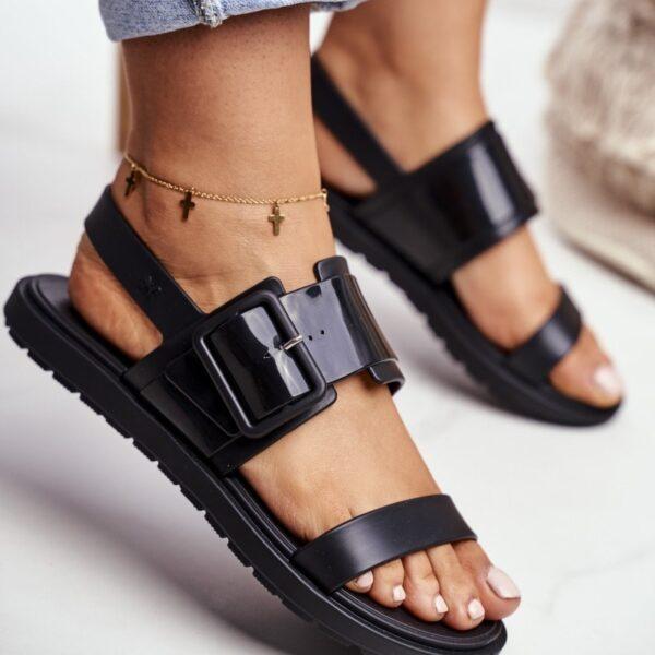 damske cierne leskle sandalky