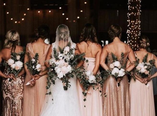 saty na svadbu ako host