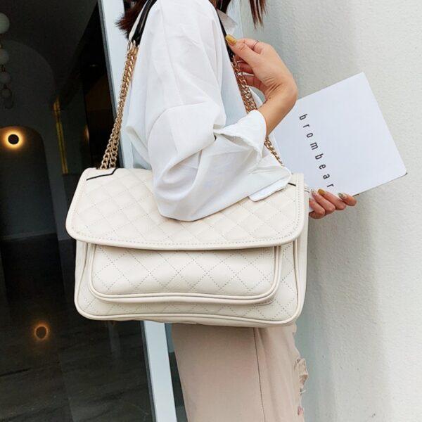 biela crossbody kabelka