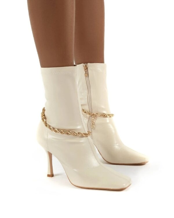 damske cizmy na opatku