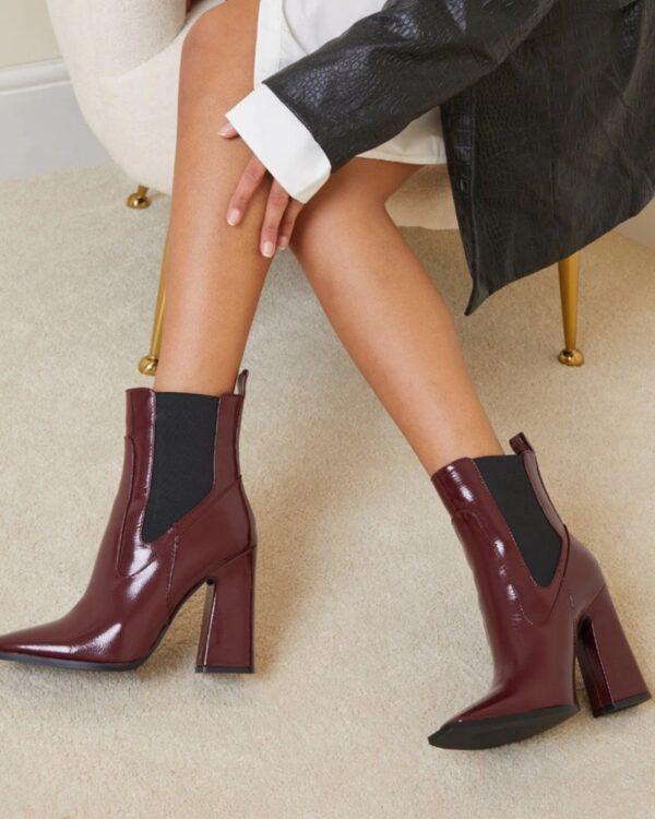 damske leskle cizmy