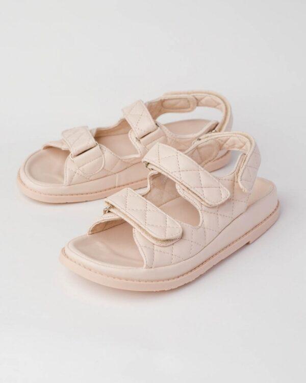 damske sandale bezove
