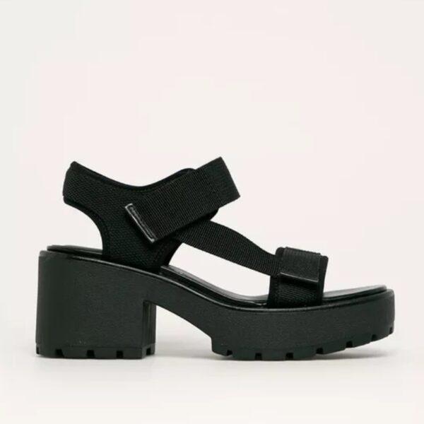 cierne sandalky na opatku