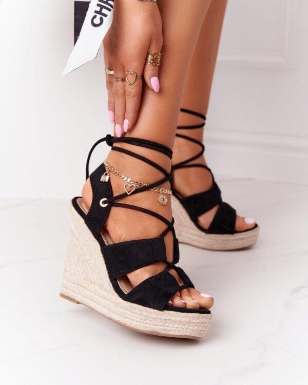 sandale na snurovanie