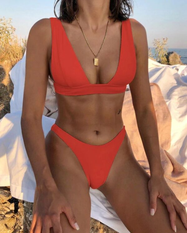 brazilske plavky cervena